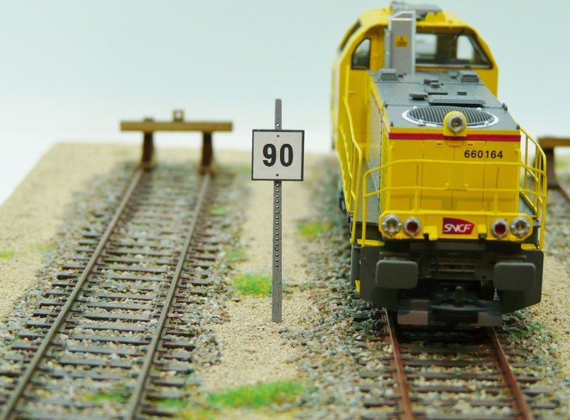 Panneau TIV à distance 90 km / heure
