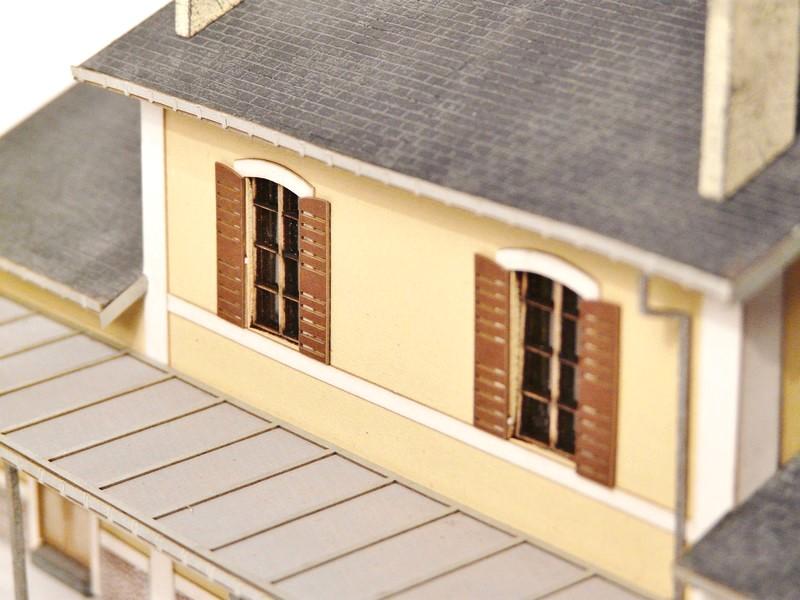 [Bois Modelisme] La gare d'Egrèze Maquette_gare_ho_maquette_ho_maquette_ho_train_maquette_bois_a_construire_maquette_bois_maquette_carton_maquette_en_bois_maquette_bois_batiment_modele_reduit_ho_BOIS_MODELISME_2