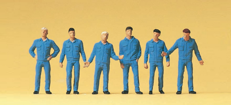 Mécaniciens en bleu de travail