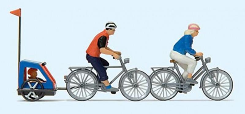 Famille à vélos