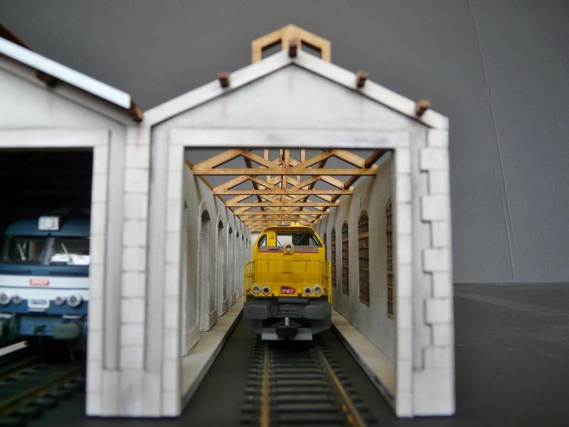 Remise PLM 3 voies Saint-Claude (Jura) BOIS_MODELISME_Remise_HO_Entrepot_HO_remise_h0_remise_pour_locomotive_entrepot_pour_locomotive_echelle_HO_echelle_187_entrepot_pour_locomotive_echelle_ho_7