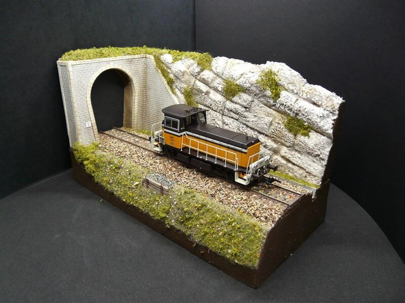 Entrées de tunnel avec murs de soutènement Entree_de_tunnel_avec_remblai_echelle_ho_entree_tunnel_avec_mur_de_soutenement_entree_tunnel_bois_modelisme_entree_de_tunnel_SAI_tunnel_ho_5