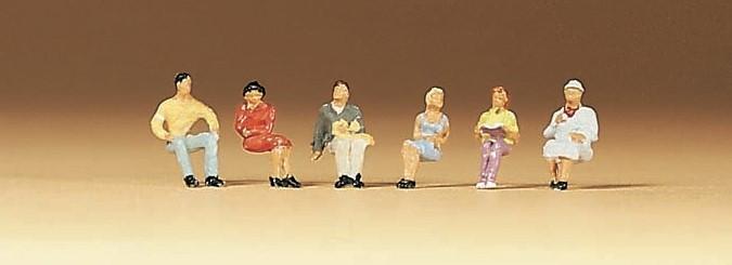 Lot de 6 personnages assis